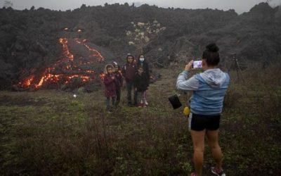 Lava bedreigt dorpen in Guatemala