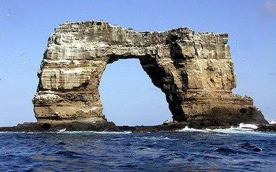 Galapagos Eilanden: Boog van Darwin stort in door erosie
