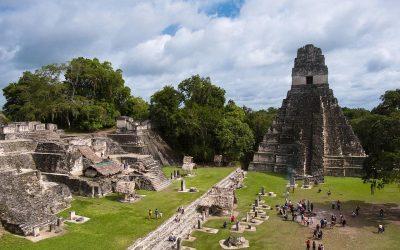 Guatemala: Mayastad Tikal bezat parken